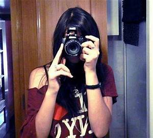Girl With Camera Profile Pictures – WeNeedFun