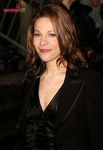 Lili Taylor Biography| Profile| Pictures| News
