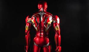 This Custom Made PC Sits Inside a Life-size Iron Man Armor