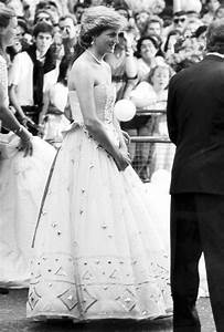 David Emanuel gown 'loved' by Princess Diana expected to ...