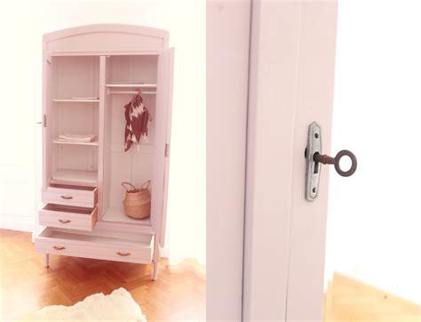chambre a coucher pas cher but finest battement armoire chambre bb armoire enfant au