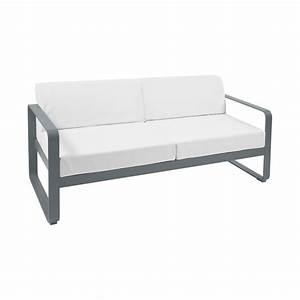 canape bellevie coussins blanc grise canape d39exterieur With tapis ethnique avec canape exterieur fermob