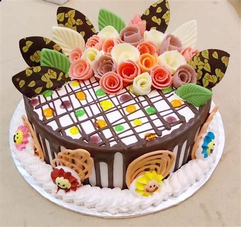 Bánh kem sinh nhật thơm ngon với cách làm đơn giản