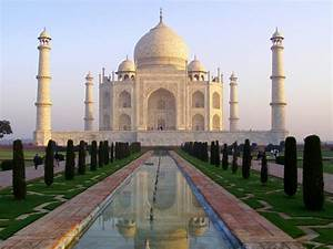 The exquisite Mughal architecture of Agra, India