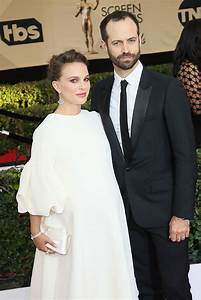Pregnant Natalie Portman won't attend the Oscars 2017 ...
