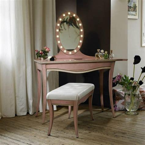 coiffeuse avec miroir lumineux la table coiffeuse est toujours 224 la mode archzine fr