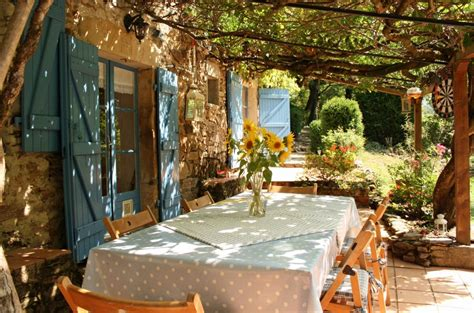 Pergola Mediterranes Flair Fuer Den Garten by Buying Property Living In And Lifestyle Of