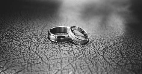 up of wedding rings floor 183 free stock