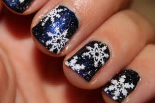 my little one and me christmas nail art 20 beautiful festive designs your nails will love to