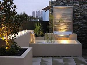 Outdoor garden wall lights contemporary outdoor water for Outdoor patio fountains