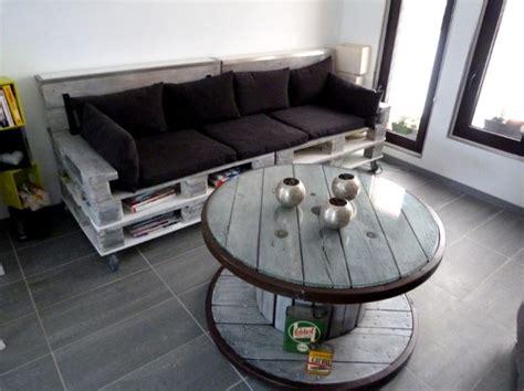 canapé palettes un canapé à partir de palettes une table basse à partir d