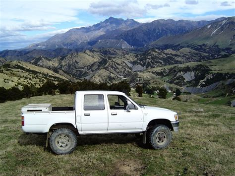 toyota hunting truck 2 8 hilux the best hunting truck ever built points south