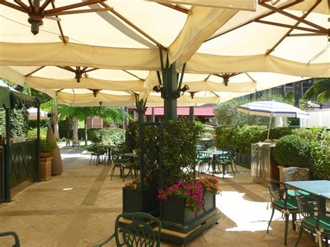 Large Outdoor Cantilever Umbrellas by Large Patio Umbrellas Cantilever Umbrella Offset