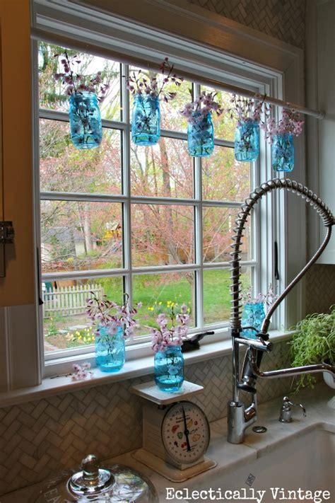 simple ways  decorate  blue tinted mason jars