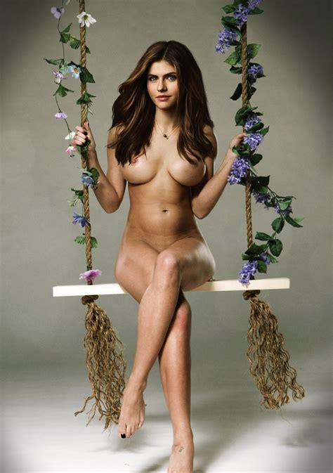 Alexandra Daddario Nude Naked Boobs Pussy Photos Pics