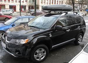 File:Black Mitsubishi Outlander in Kraków (1).jpg ...