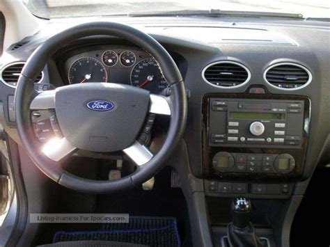ford focus   ghia automatic climate control