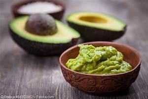 Avocado Pflanze Richtig Schneiden : avocado schneiden leicht gemacht koch und k chenblog ~ Lizthompson.info Haus und Dekorationen