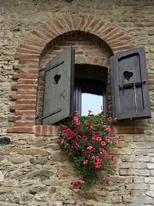 Alte Fensterrahmen Gestalten : die fensterl den die romantische bekleidung der fenster ~ Lizthompson.info Haus und Dekorationen