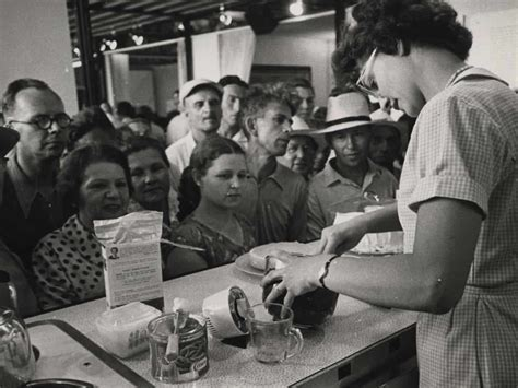 20 Photographs from the 1959 Cold War Kitchen Debate