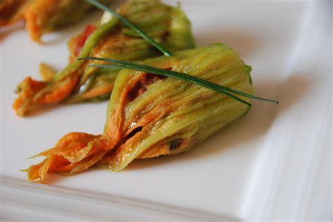 cuisiner fleur de courgette fleurs de courgettes farcies blogs de cuisine