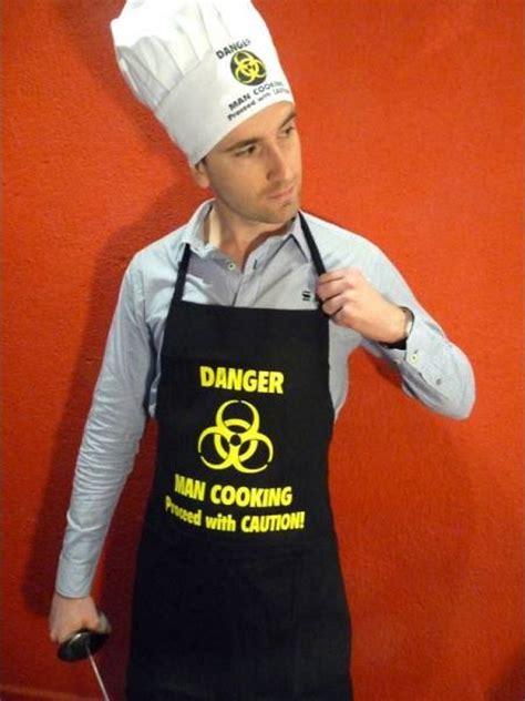 tablier cuisine homme humoristique un tablier de cuisine original le maestro