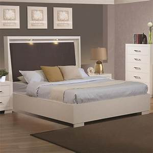 Coaster 200920kw white wood california king size bed for Sectional sofa king bed