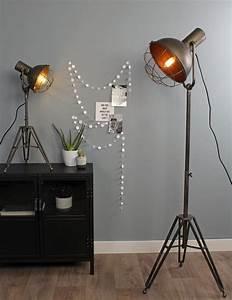 Lampe Type Industriel : lampadaire style industriel light living ~ Melissatoandfro.com Idées de Décoration