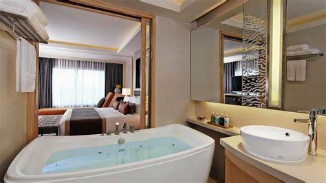 corner suite amari watergate