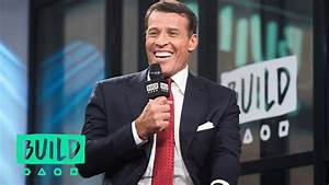 Tony Robbins Discusses Warren Buffett's Investment Advice ...