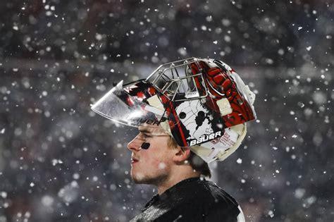 canadian goaltender carter hart   start stealing