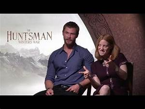 Ryan Hangs Out With Chris Hemsworth & Gave Thor Puns - YouTube