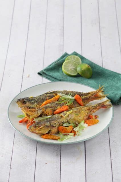 Cara memasak ikan tenggiri bumbu pesmol ala kreasi dapurku. IKAN PISANG PISANG MASAK PESMOL ~ ANEKA-RESEP