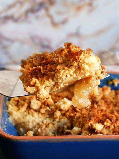 Apple Crumble Quick and Easy Recipe   Amiable Foods
