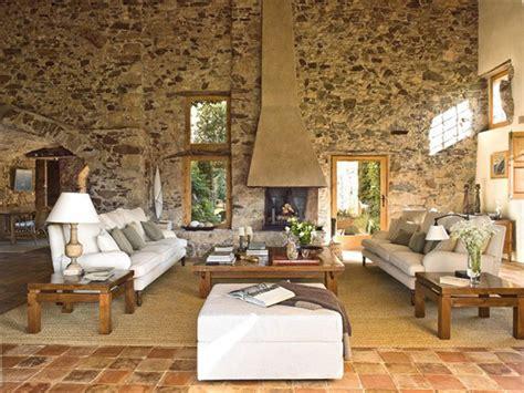 Mediterranean Comfortable Family Farmhouse  Decoholic