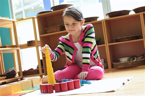 What to Expect From A Montessori School Classroom | Get ...