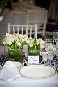 Tischdeko Schwarz Weiß Ideen : tischdeko mit tulpen festliche tischdeko ideen mit fr hligsblumen ~ Bigdaddyawards.com Haus und Dekorationen