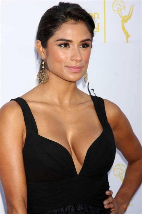 diane guerrero in the country we love in the country we love diane guerrero to star in cbs