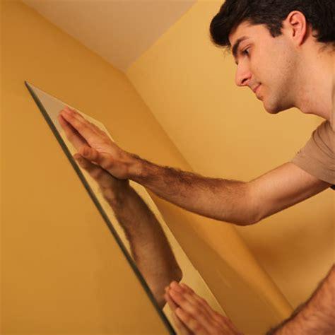 comment decoller un miroir colle avec du comment fixer un miroir au mur avec de la colle bricobistro
