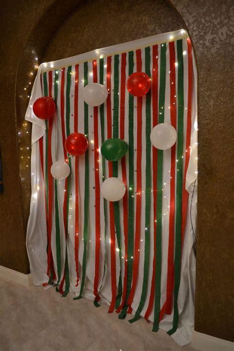 easy diy homemade christmas party photobooth backdrop