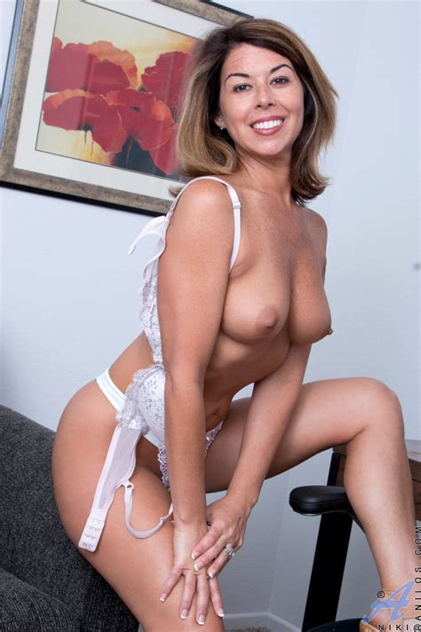 Anilos American Milf Featuring Niki Photos
