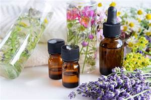 4 Best Essential Oils To Induce Labor During Pregnancy