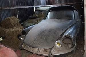 Voiture Sortie De Grange : r tromobile 2017 une ds cabriolet sortie de grange chez artcurial voitures anciennes auto ~ Gottalentnigeria.com Avis de Voitures