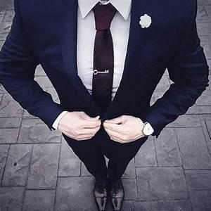 Blauer Anzug Schwarze Krawatte : top 60 besten navy blauen anzug braune schuhe stile f r m nner deutsch style ~ Frokenaadalensverden.com Haus und Dekorationen