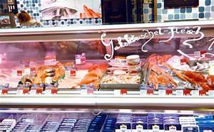 Typische Berliner Produkte : kaiser 39 s fischthekenkonzept so gut wie nichts wird auf eis gelegt alles befeuchtet ~ Markanthonyermac.com Haus und Dekorationen