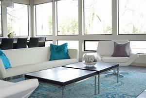 tapis de salon moderne en 25 exemples et quelques astuces With tapis peau de vache avec canapé convertible et fauteuil assorti