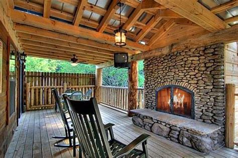 cabins in tennessee with tub 4 best cabin vacations in gatlinburg tn
