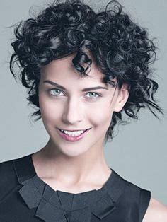 die  besten bilder von frisuren fuer lockiges haar