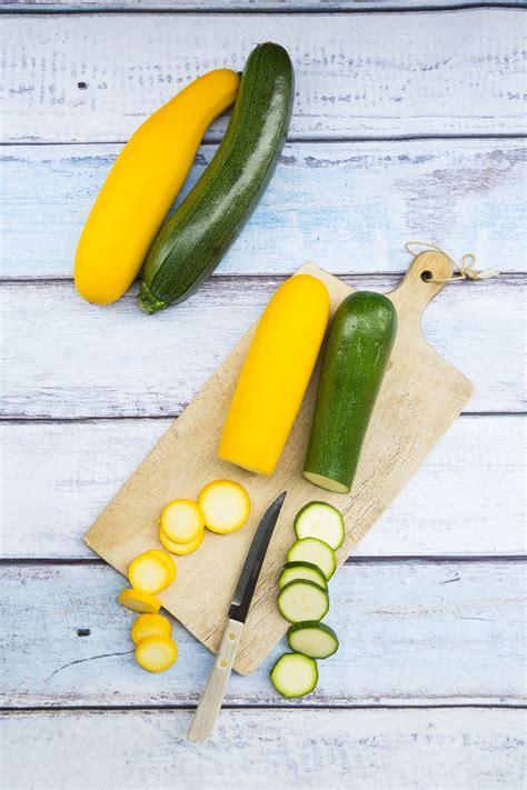 cuisiner les courgettes jaunes la courgette jaune quels fruits et légumes de saison en