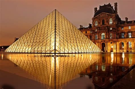 top   popular tourist attractions  france